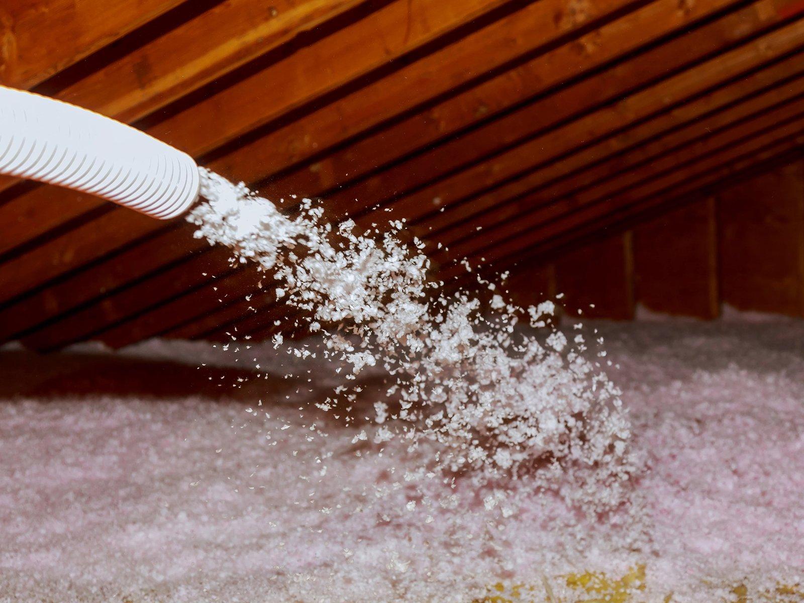 Insulation Spraying_1600x1200
