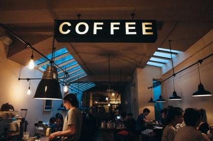 coffee-shop-1149155_1920-min